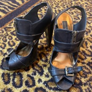 Black leather and bronze Luxe heels